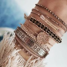 1 online shop for women& accessories! We offer reasonably priced . 1 online shop for women& accessories! We have inexpensive and elegant accessories. Trendy Jewelry, Cute Jewelry, Fashion Jewelry, Women Jewelry, Fashion Tag, Yoga Jewelry, 90s Fashion, Diy Schmuck, Schmuck Design