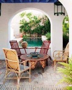 Moroccan courtyard and pool. Moroccan, Morocco Design, Interiors via @topupyourtrip, www.TopUpYourTrip.com