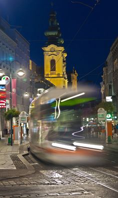 Linz, Austria - ©Carambol Innsbruck, Central Europe, Capital City, Study Abroad, Alps, Nightlife, Wonderful Places, Big Ben, Castle