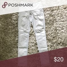 Light wash ripped pacsun skinny jeans In new condition. Only worn a handful of times. * size 5 * PacSun Jeans Skinny