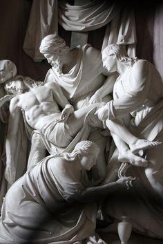 A sculpture inside the church of the Santissima Trinità dei Monti which overlooks the Spanish Steps in Rome, Italy. Greece Fashion, Roman Sculpture, Plastic Art, Catholic Art, Effigy, Scripture Art, Reference Images, Sacred Art, Renaissance Art