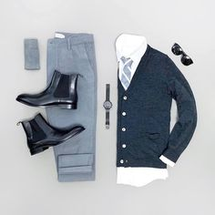 36 Likes, 1 Comments - Men's Outfit Grids Mens Casual Dress Outfits, Stylish Mens Outfits, Cool Outfits, Business Mode, Business Outfit, Men Fashion Show, Mens Fashion, Chinos Men Outfit, Outfits Tipps