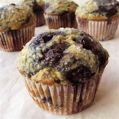 Recipe: Blueberry Flax Muffins Zucchini Muffins, Muffins Blueberry, Healthy Muffins, Healthy Sweets, Blue Berry Muffins, Healthy Baking, Blueberry Breakfast, Flaxseed Muffins, Healthy Foods