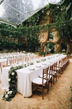 18 gorgeous garden wedding venues in the us 46 cozy backyard wedding decor ideas for summer diy Perfect Wedding, Dream Wedding, Wedding Shot, Magical Wedding, Trendy Wedding, Diy Wedding, 2017 Wedding, Wedding Trends 2018, Sophisticated Wedding