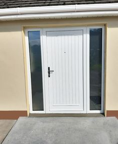 Palladio Composite doors from Costello Windows are top of the range in terms of beauty, insulation and security, perfect to make a statement as a front door Arch Windows, Composite Front Door, Doors Online, Townhouse, Composition, Garage Doors, Quote, Outdoor Decor, Bow Windows