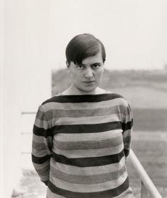 designer Marianne Brandt on the balcony of Bauhaus Dessau, late 1920s. © Bauhaus-Archiv Berlin. Via Larcobaleno