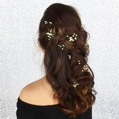Partial updo bridal hairstyle - Half up half down wedding hairstyles #weddinghair #bridalhair #weddinghairideas #bride #weddinghairstyles #updo #partialupdo #hairstyles