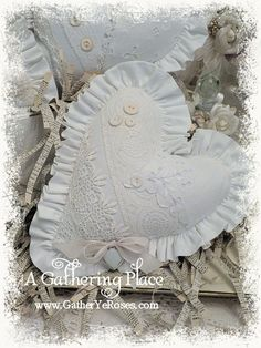 ~STRAIGHT TO THE HEART...FRENCH WHITE SACHET PILLOWS~