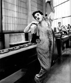 """FILM / """"Les Temps modernes"""" (Modern times) est une comédie dramatique américaine de Charlie CHAPLIN, sortie en 1936."""