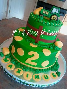 Buttercream Tractor Cake, Fondant Accents