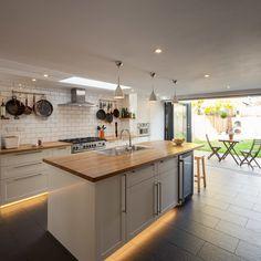 Admirable Scandinavian Kitchen Design And Decor Ideas Green Kitchen Walls, Light Kitchen Cabinets, Painting Kitchen Cabinets, Kitchen Colors, White Cabinets, Best Under Cabinet Lighting, Scandinavian Kitchen, Cabinet Decor, Transitional Kitchen
