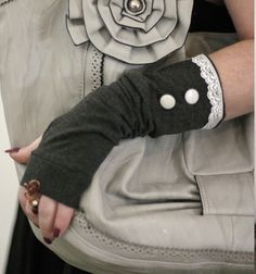 Elegant grey  fingerless gloves with stretch white by WearMeUp