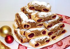 Macskaszem | Gy.Zsuzsi receptje - Cookpad receptek Poppy Cake, Cake Recipes, Dessert Recipes, Vegan Cupcakes, Sweet Cookies, Hungarian Recipes, Christmas Cookies, French Toast, Food And Drink