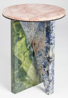 Flat-pack marble tables by Australian designer Jonathan Zawada. The tables are made from pieces of marble, granite, and synthetic stone, require no fixtures to assemble, and are infinitely recombinable. Marble Furniture, Luxury Furniture, Modern Furniture, Furniture Design, Plywood Furniture, Architecture Mode, Furniture Inspiration, Terrazzo, Side Tables