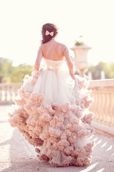 A beautiful blush wedding gown! Photography By / http://emmphotography.ro