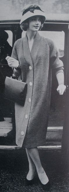 1959 ~ I would love to dress like this every day!  The hat, the purse, the shoes, the gloves.