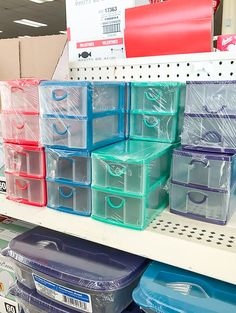 Give your generic plastic Dollar Tree storage bins an industrial farmhouse makeover in just a few simple steps! Give your generic plastic Dollar Tree storage organizers an industrial farmhouse makeover in just a few simple steps! Dollar Tree Storage Bins, Dollar Tree Organization, Diy Organization, Storage Organizers, Makeup Storage Dollar Tree, Storage Boxes, Diy Storage Drawers, Dollar Tree Makeup, Wire Basket Storage