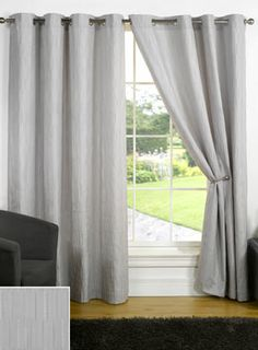 ready made eyelet curtains