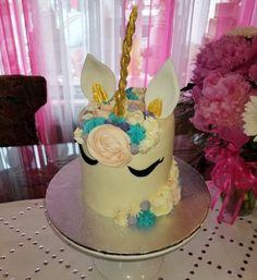 1st birthday unicornwww.facebook.com/carinaedolce  #carinaedolce www.carinaedolce.com First Birthday Cakes, First Birthdays, Facebook, Desserts, Food, Tailgate Desserts, One Year Birthday, Deserts, Essen