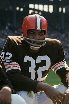 Pure Football, Nfl Football Players, Football Cards, School Football, Football Photos, School Sports, Cleveland Browns History, Cleveland Browns Football, American Football League
