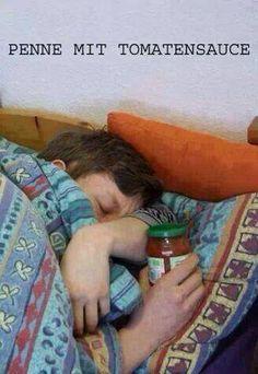 PENNE mit Tomatensauce - mehr lustige Bilder hier http://www.deecee.de