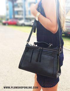 Carteras de moda y cuero para mujeres en PLUMSHOPONLINE.COM #handbags #handbag #carteras #cartera #bags #bag #moda #fashion #outfit #carteras #crossbody #messenger #morral