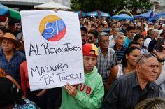 Venezuela: una firma contro Maduro (2016)