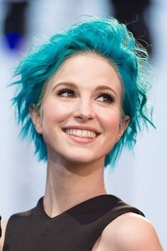 i love blue hair hayley <3 and orange hayley  and septum piercing hayley <333     i cant even