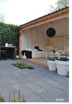 Afbeeldingsresultaat voor met brede houten buitentrap
