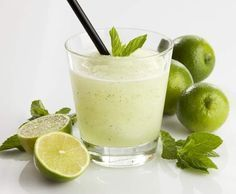 Sorbete de mojito thermomix Mojito, Milk Shakes, Smoothie Drinks, Smoothies, Tapas, Thermomix Desserts, Sorbets, Easy Cooking, Summer Recipes