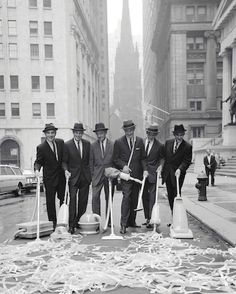 Clean New York Campaign, Wall Street. New York, 1960. © William Helburn / Staley-Wise Gallery New York