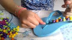 Como decorar sandalias - YouTube