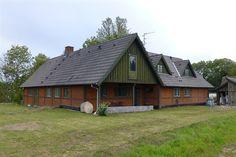 Ebberup Mose 5, 4390 Vipperød - Idyllisk og moderniseret landhus, lav varmeudgift, indbygget garage