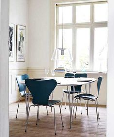 Super eliptical table with series 7 chairs