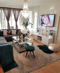 Raymou and Flanigan Living Room Set – Home Decorating Classy Living Room, Decor Home Living Room, New Living Room, Living Room Sets, Home And Living, Living Room Designs, Small Living, Casa Top, First Apartment Decorating