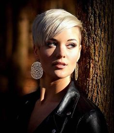 Perfect Blonde Color Hairstyle for Short Hair Pixie Hairstyles, Pixie Haircut, Haircuts, Short Blonde, Blonde Hair, Blonde Pixie, Short Hair Cuts, Short Hair Styles, Perfect Blonde
