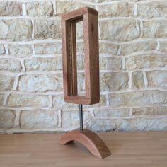 Hallo & Willkommen!  Dies ist definitiv meine Lieblings Lampe so weit - und ich habe etliche jetzt... es ist eine Menge harter Arbeit mit dem Holz, aber ich denke, es lohnt sich!!  Das Holz ist das schöne Niangon Holz mit schöner Farbe und Maserung, ich habe die Lampe an der Basis mit einem Stück aus rostfreiem Stahl angeschlossen.  sehr ungewöhnlich ein schlankes Design macht dies ein wirklich modernes Designerstück-sicherlich Blickfang und die einzige Art in der ganzen Welt!!  Ich habe…