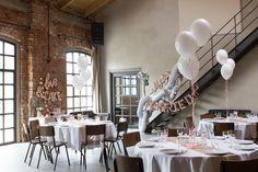 Ein Traum in rosegold trifft auf rustikalen Backstein, Beton und Metall! Gestyled von Balloon Fantasy im Kaiserbad Leipzig. Blumen von saltoflorale. #wedding #balloon #loft #idea #decoration #rustic
