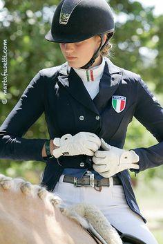 Samshield helmet, Animo belt and frack. Nice collar!!