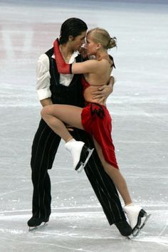 Kaitlyn Weaver & Andrew Poje during their Argentine Tango compulsory dance at the 2008 World Figure Skating Championships