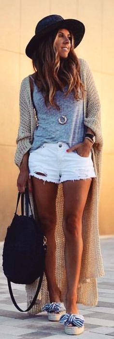 #spring #outfits Atardeceres De Verano☀️ ...................... #ibizalook #summervibes #getthelook #fashion #ootd #outfitoftheday #look #inspiration #shorts #maxicardigan #summerinspiration #summerlook #outfit #blondemery #fashionblogger #ibizastyle #sunset #hippiestyle
