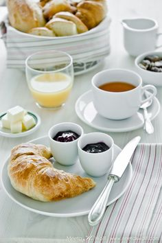 a simple yet luxurious way to wake up!