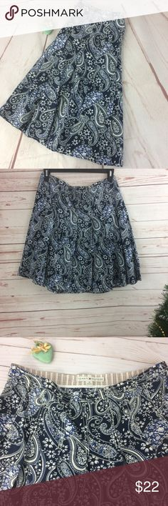 """Tommy Hilfiger A-Line Pleated Paisley Print Skirt Fabulous pleated, A-line skirt with a paisley print. Side zipper with a gorgeous fabric snap button. See in last two photos. 100% cotton. Measurements approximately as follows: W - 33"""" and L - 22"""". R1 Tommy Hilfiger Skirts A-Line or Full"""
