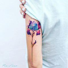 Iris flower #tattoo #flowertattoo #pissarotattoo #irisflower Pis Saro tattoo.  Gorgeous work