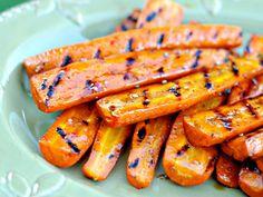 Glazed grilled carrots - Glasierte Grill-Karotten (in German)