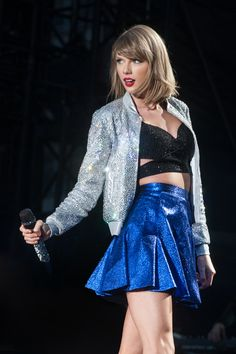 Taylor Swift Web Photo Gallery: Click image to close this window Taylor Swift Concert, Taylor Swift Album, Taylor Swift Hot, Red Taylor, Posters Vintage, Taylor Swift Wallpaper, Dimebag Darrell, Taylor Swift Pictures, Judas Priest