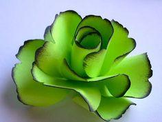 Artículos similares a La flor rosa de papel hecho a mano - verde lima - (Set de 5) en Etsy