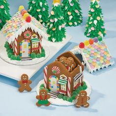 What could be better than a decorated gingerbread house? How about a house with a removable roof and covers a house full of gingerbread cookies. It?s a win-win holiday favorite. Make ahead and have around all season long.