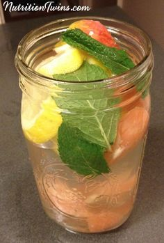 """Apple Cider Vinegar Mint """"Detox"""" Drink 