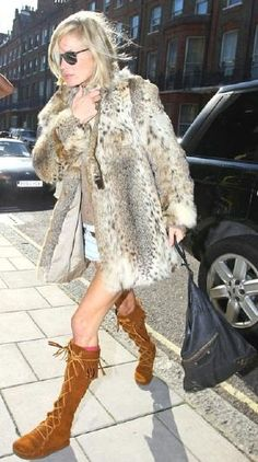Le Luxe Mannequin: Kate Moss and her many Fur Coats Ella Moss, Bohemian Girls, Hippie Boho, Hippie Style, Boho Style, Kate Moss Stil, Moccasins Outfit, Moss Fashion, Queen Kate
